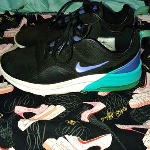 🌺 3 for $25. Womens Air Nike sneakers